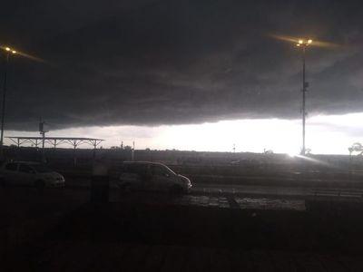Meteorología renovó su alerta por tiempo severo para la región Oriental