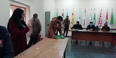 Entre acusaciones mutuas concejales departamentales elegirán nueva mesa directiva