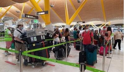 En vuelo especial desde España, hoy son repatriados 336 personas entre paraguayos y extranjeros