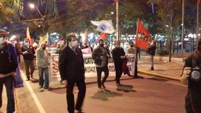 Manifestación contra el Gobierno en el centro de Asunción