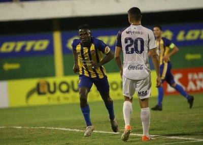 El VAR anuló un gol sobre la hora y Luqueño empata con Sol
