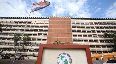 HOY / Ante aumento de casos de COVID-19, IPS suspende visitas a pacientes en todos sus hospitales