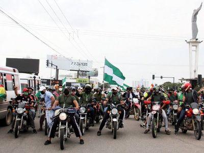 Central obrera llama a la calma en Bolivia, pero siguen bloqueos