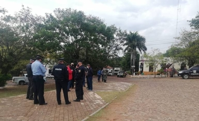 HOY / Areguá: comitiva fiscal y policial inicia controles a fin de evitar aglomeraciones