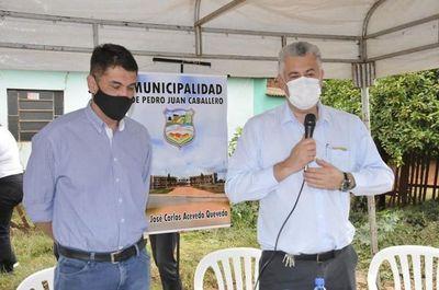Ronald y José Carlos Acevedo habilitaron 9 mil 308 m2 de empedrado en fracción San Ramón