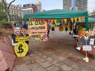"""Con el """"circo"""" de Abdo y Cartes, sindicalistas critican al Gobierno"""