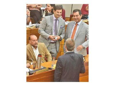 Los defensores de Abdo en la Cámara de  Senadores van quedando sin argumentos