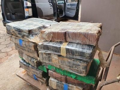 Detienen a PARAGUAYO con 2 toneladas de MARIHUANA