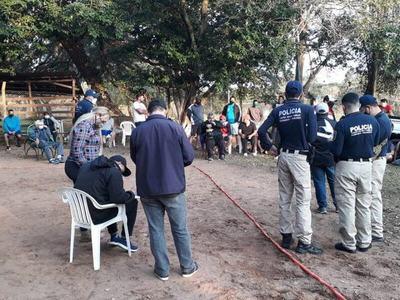 Allanaron quinta de Richard Báez por supuesta aglomeración