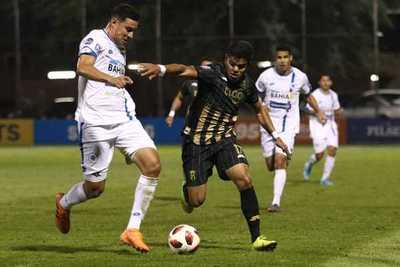 Guaraní empata y se empantana en su pelea por el campeonato