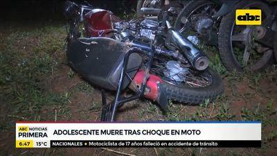 Adolescente muere tras chocar con su motocicleta