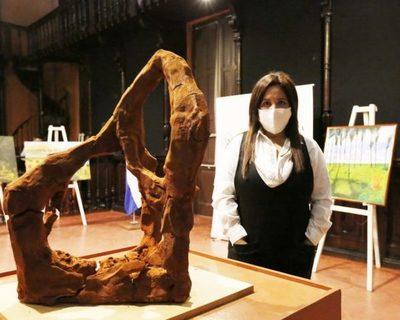 Premian obras en la categoría a las artes visuales del concurso 150 años de la Guerra Guasú
