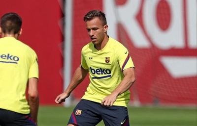 Futbolista del Barcelona da positivo, pero al alcotest