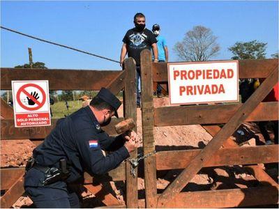 Caldeado conflicto por  oro en Paso Yobái con allanamiento y protestas