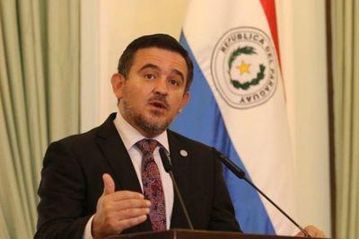 Petta afirma que educación actual es igual o mejor que países de la región