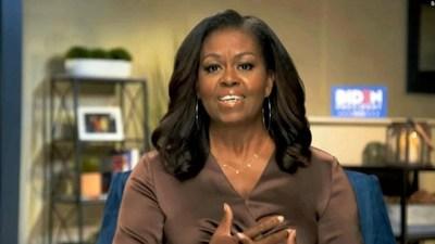 """""""Es el presidente equivocado para nuestro país"""": el poderoso discurso contra Trump de Michelle Obama"""