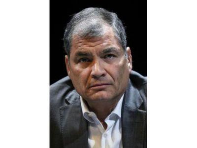 Correa ignora a la Justicia de Ecuador y acepta candidatura