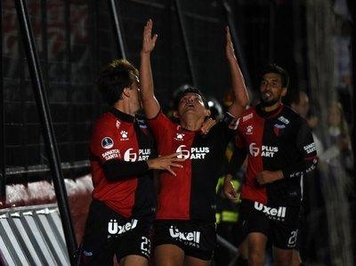 'Chelo' Estigarribia debuta ante Peñarol en un inesperado club