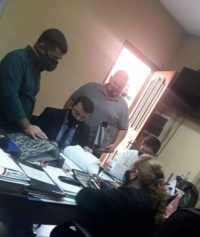 Incautan documentos de la Municipalidad de Ñemby tras allanamiento
