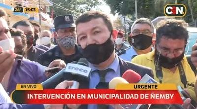 Allanan la Municipalidad de Ñemby por caso de desvío de dinero