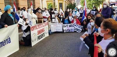 Enfermeras repudian corrupción en compras de insumos hospitalarios • Luque Noticias