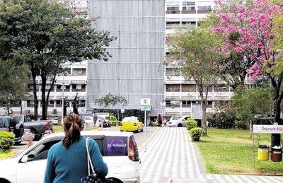 Acusan al titular de IPS de contratar personal por cuestiones políticas bajo la excusa de la pandemia