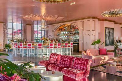 Abren en Nashville un bar dedicado a Dolly Parton