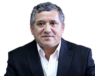 Cuestionado director de ANDE involucrado en corrupción sigue impune en su cargo