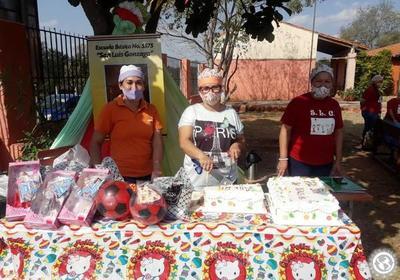 Agasajaron a alumnos por el Día del Niño • Luque Noticias