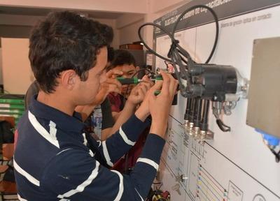 SNPP tiene 70 nuevas mallas curriculares y 1536 cursos en todo el país