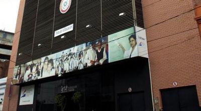 MEC suspende la bonificación a los docentes por hijos recién nacidos
