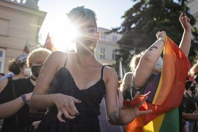 "Con penas de cárcel, México pone freno a terapias de ""conversión sexual"""