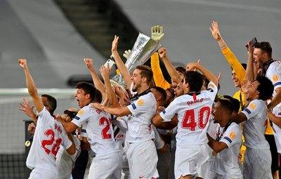 Sevilla reina por sexta vez en 'su' Europa League