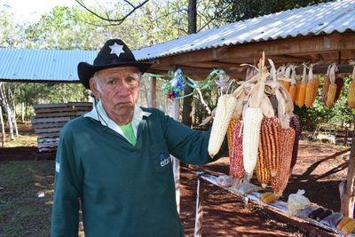 Productor campesino expondrá sobre semillas nativas en la web