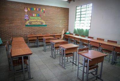 Mejoran infraestructura de instituciones educativas aprovechando ausencia de alumnos