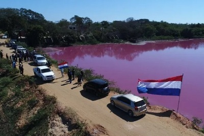 Vecinos protestan contra la contaminación de la laguna en Limpio