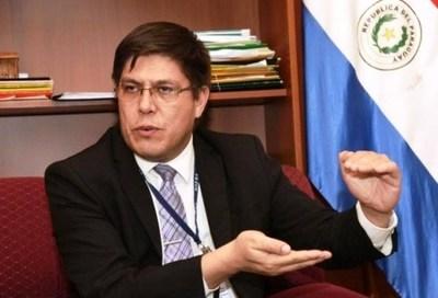 Viceministro de Salud renuncia tras escándalo con modelos en plena pandemia •