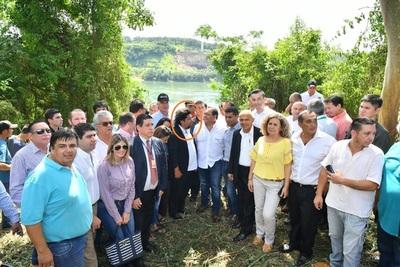 KELEMBU convertido en HURRERO COLORADO anuncia que su movimiento será un PARTIDO POLITICO