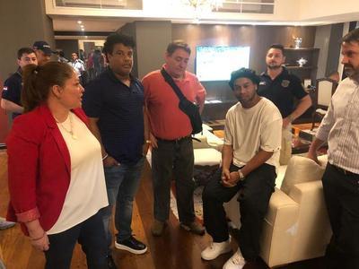 Hoy la justicia paraguaya define situación de Ronaldinho