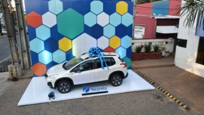 Aseguradora Yacyreta sorteó 0 km como premio a su red comercial
