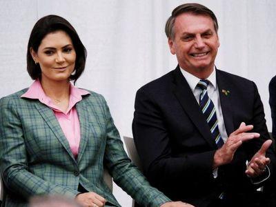 Bolsonaro insinúa vínculos de Messer con grupo Globo