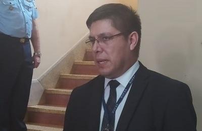 Fiscalía abre investigación sobre cumpleaños en el que participó el exviceministro de Salud