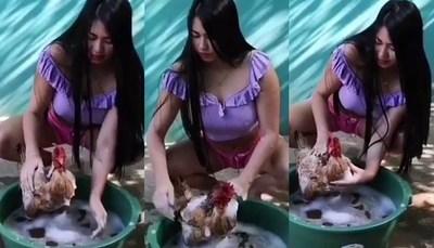 LaurysDyva le dio un baño a su gallina