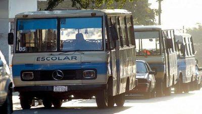 Transportistas escolares en espera de exoneración de impuestos