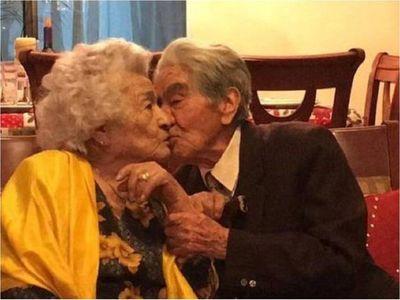 Pareja de ancianos, que suman 214 años, ingresa en récord Guiness