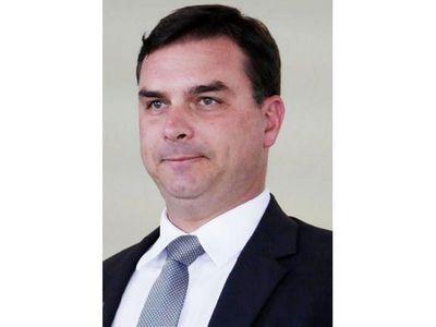 Da positivo el hijo de Bolsonaro investigado por la Justicia
