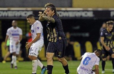 'FerFer' es máximo goleador de Guaraní y busca los 100
