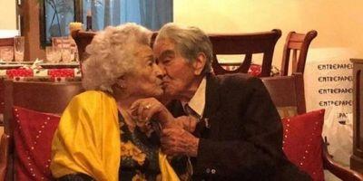 Pareja ecuatoriana de ancianos, que suman 214 años, ingresa en récord Guiness