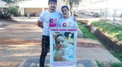 "Familia de la pequeña Bianca celebra aporte de US$ 30.000 de Ronaldinho: ""Fue por obra y gracia de Dios"""