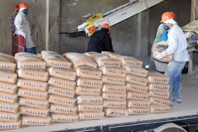 Escasez de cemento obliga al MIC liberar importación